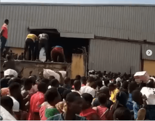 Hoodlums Break Covid-19 Palliative Warehouse Share Food Items To Residents (Video)