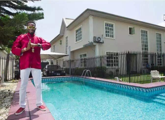 dbanj swimming pool